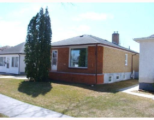Main Photo: 824 BANNERMAN Avenue in WINNIPEG: North End Residential for sale (North West Winnipeg)  : MLS®# 2805965