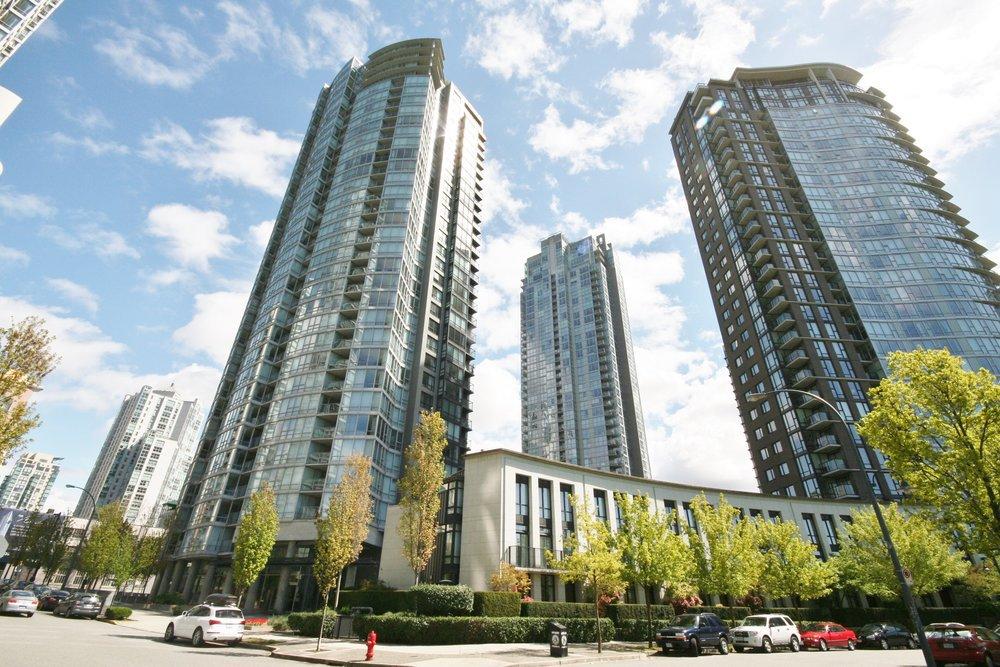 Azura 1 1438 Richards St Vancouver