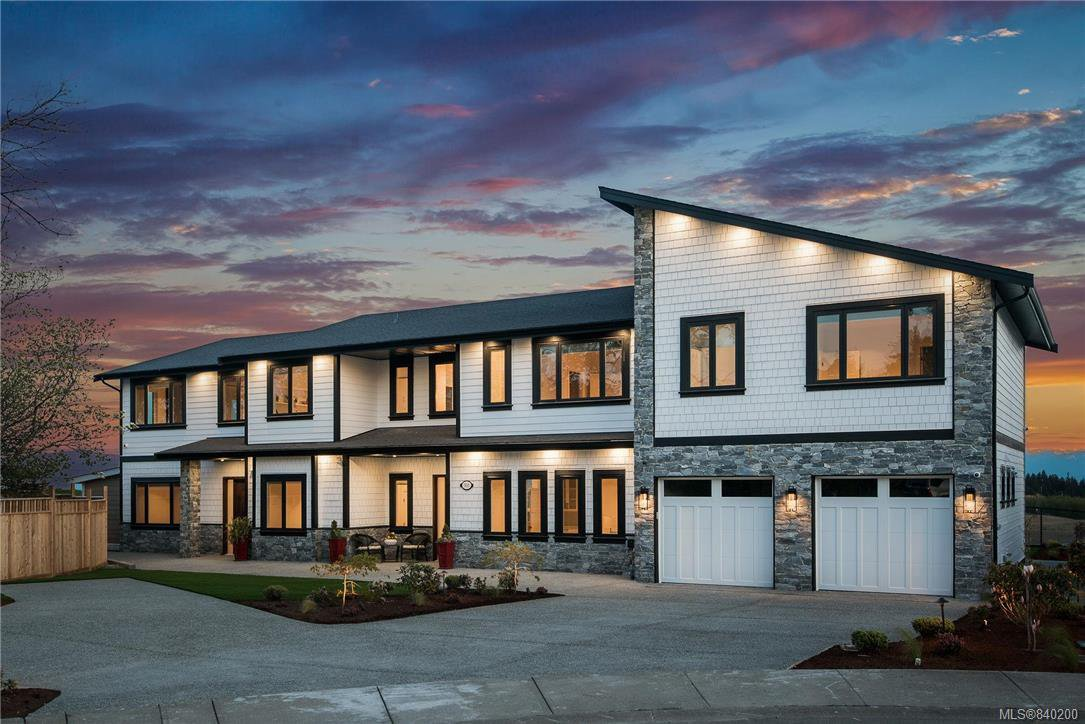 Main Photo: 301 Kenning Crt in Colwood: Co Royal Bay Single Family Detached for sale : MLS®# 840200