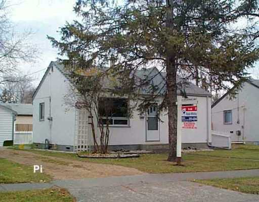 Main Photo: 187 SADLER Avenue in Winnipeg: St Vital Single Family Detached for sale (South East Winnipeg)  : MLS®# 2517508