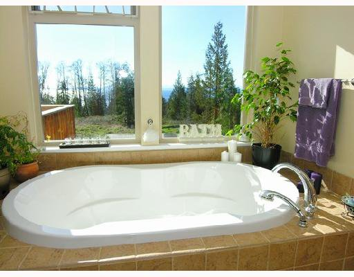 """Photo 7: Photos: 1345 CHASTER Road in Gibsons: Gibsons & Area House for sale in """"CHASTER PLACE"""" (Sunshine Coast)  : MLS®# V658536"""