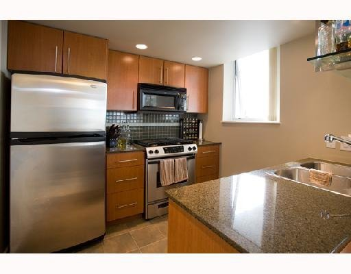 Photo 5: Photos: # 2506 550 PACIFIC ST in Vancouver: Condo for sale : MLS®# V736170