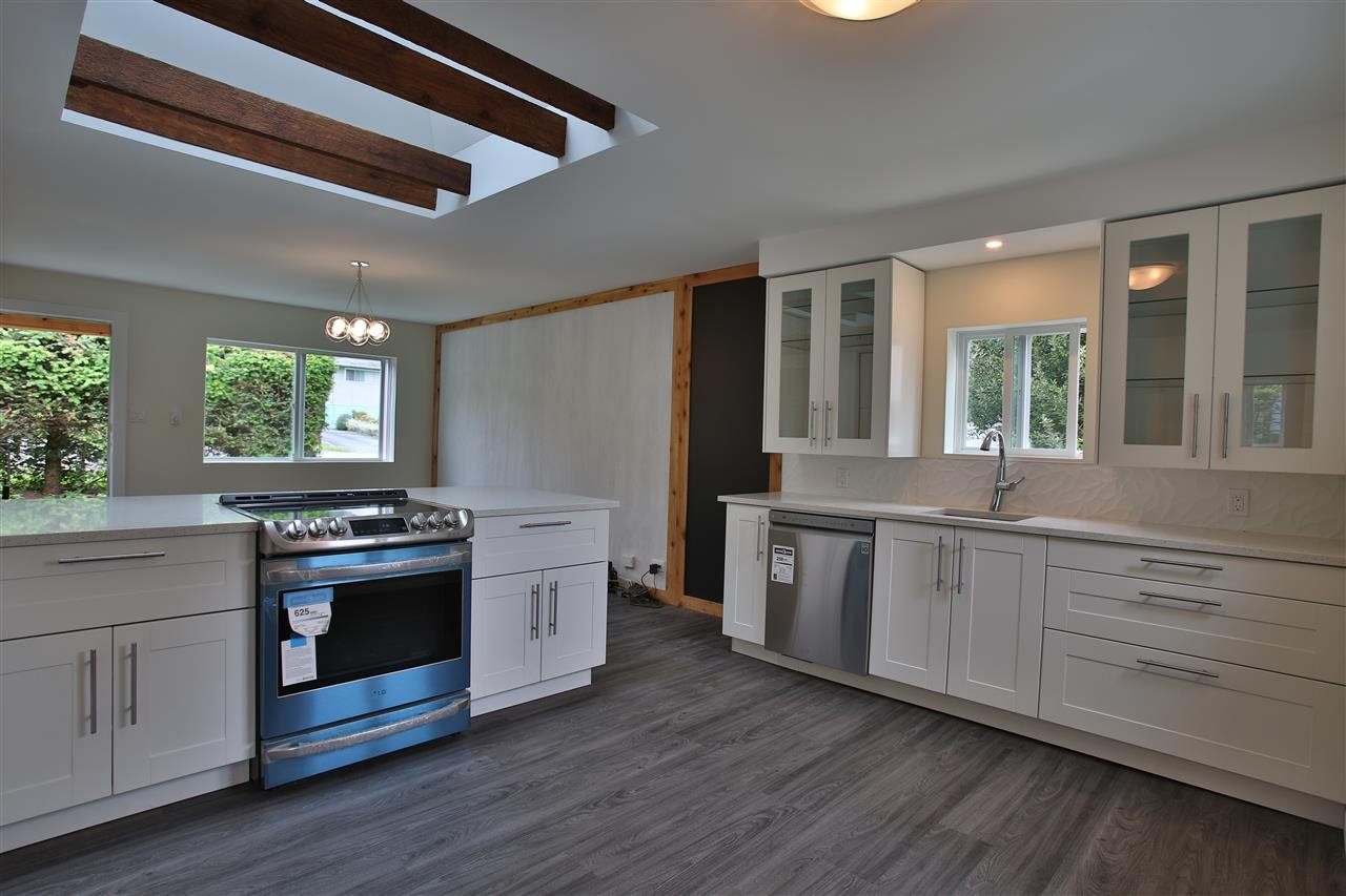 Main Photo: 765 O'SHEA Road in Gibsons: Gibsons & Area House for sale (Sunshine Coast)  : MLS®# R2388327