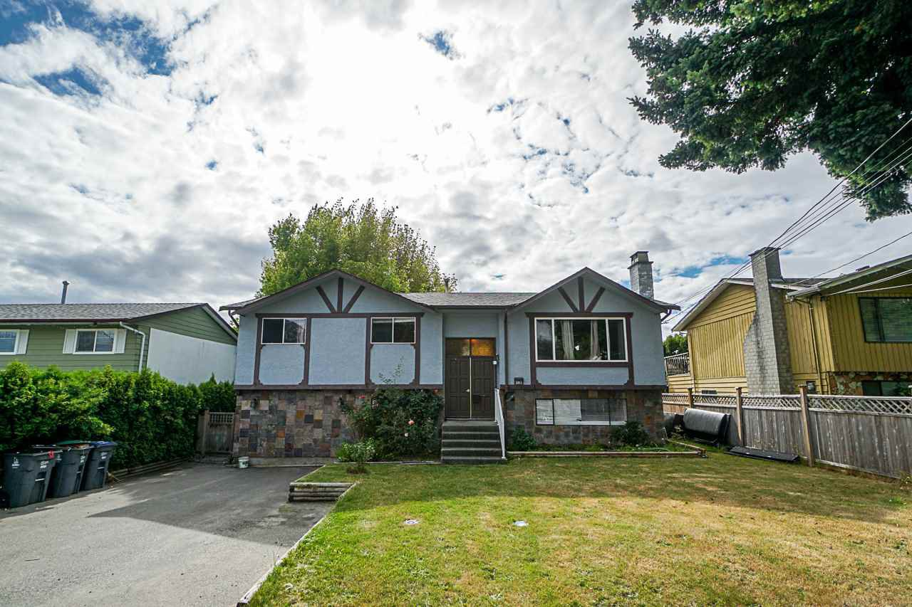 Main Photo: 5845 179 Street in Surrey: Cloverdale BC House for sale (Cloverdale)  : MLS®# R2390304
