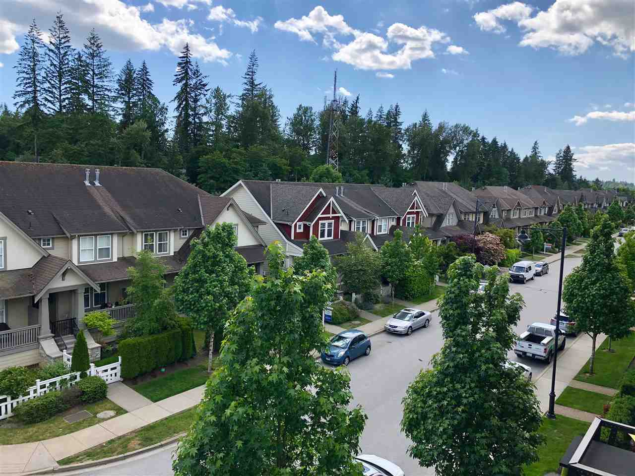"""Photo 4: Photos: 408 23215 BILLY BROWN Road in Langley: Fort Langley Condo for sale in """"WATERFRONT AT BEDFORD LANDING"""" : MLS®# R2390619"""