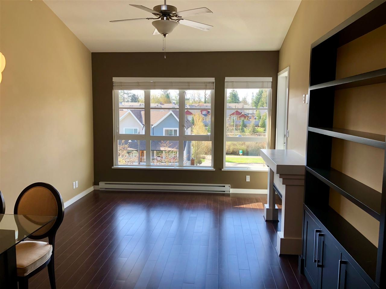 """Photo 9: Photos: 408 23215 BILLY BROWN Road in Langley: Fort Langley Condo for sale in """"WATERFRONT AT BEDFORD LANDING"""" : MLS®# R2390619"""