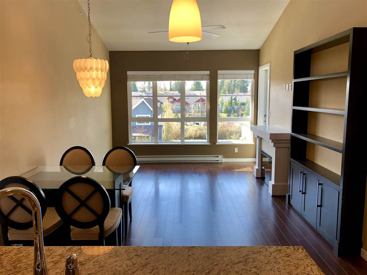 """Photo 11: Photos: 408 23215 BILLY BROWN Road in Langley: Fort Langley Condo for sale in """"WATERFRONT AT BEDFORD LANDING"""" : MLS®# R2390619"""