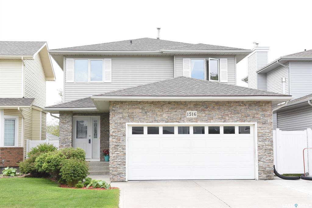 Main Photo: 1516 Rousseau Crescent North in Regina: Lakeridge RG Residential for sale : MLS®# SK811518