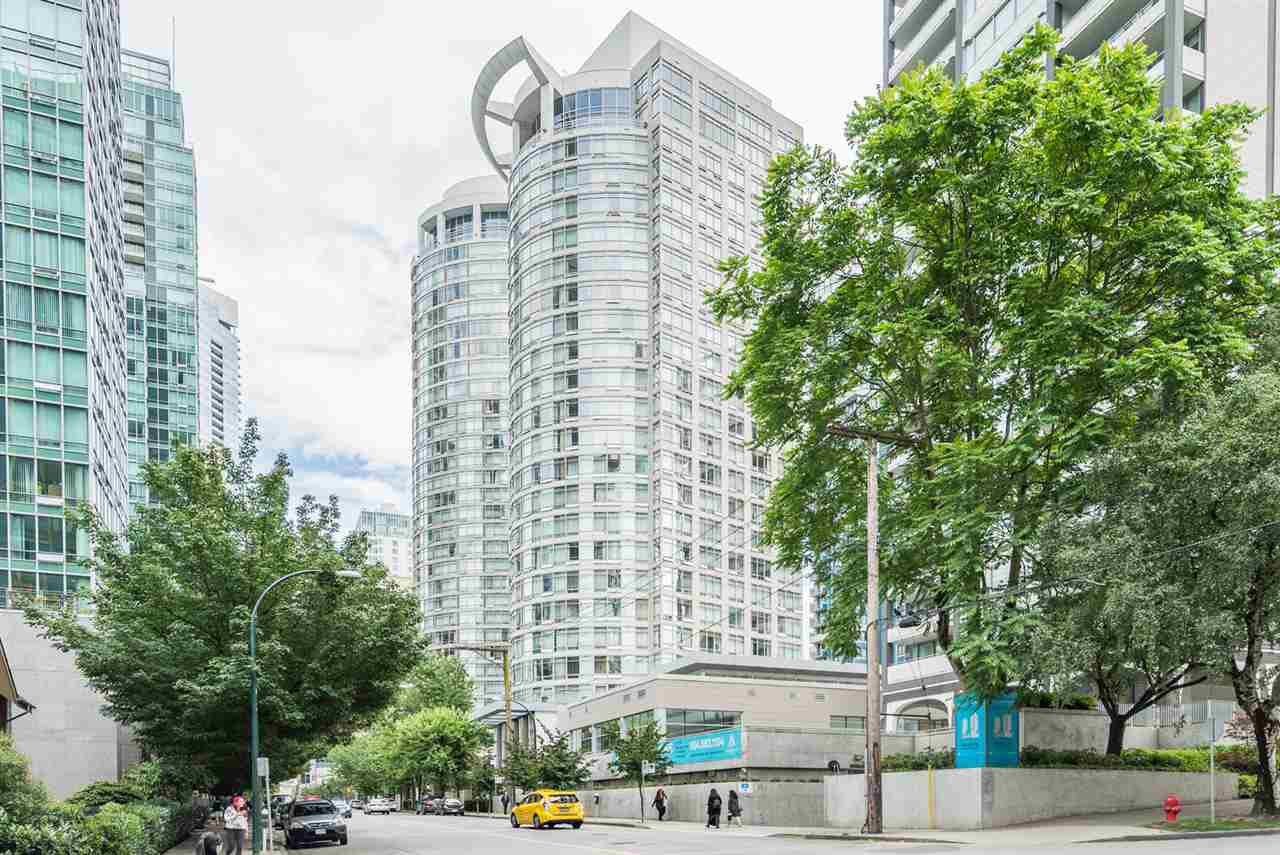 """Main Photo: 1606 1288 ALBERNI Street in Vancouver: West End VW Condo for sale in """"THE PALISADES"""" (Vancouver West)  : MLS®# R2523792"""