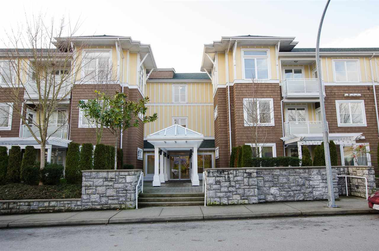 "Main Photo: 102 1375 VIEW Crescent in Delta: Beach Grove Condo for sale in ""FAIRVIEW 56"" (Tsawwassen)  : MLS®# R2528050"