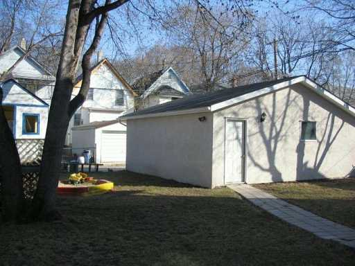 Photo 7: Photos: 805 GARWOOD Avenue in WINNIPEG: Fort Rouge / Crescentwood / Riverview Single Family Detached for sale (South Winnipeg)  : MLS®# 2706210