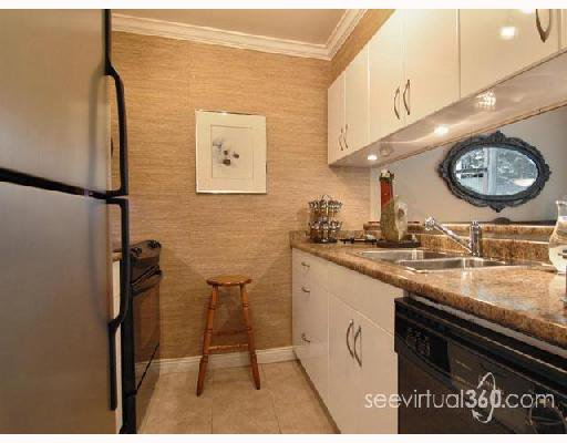 "Main Photo: 102 1006 CORNWALL Street in New_Westminster: Uptown NW Condo for sale in ""Cornwall Terrace"" (New Westminster)  : MLS®# V672892"