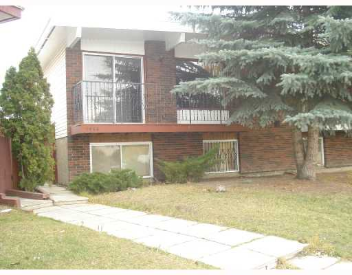 Main Photo:  in CALGARY: Forest Lawn Residential Attached for sale (Calgary)  : MLS®# C3291188