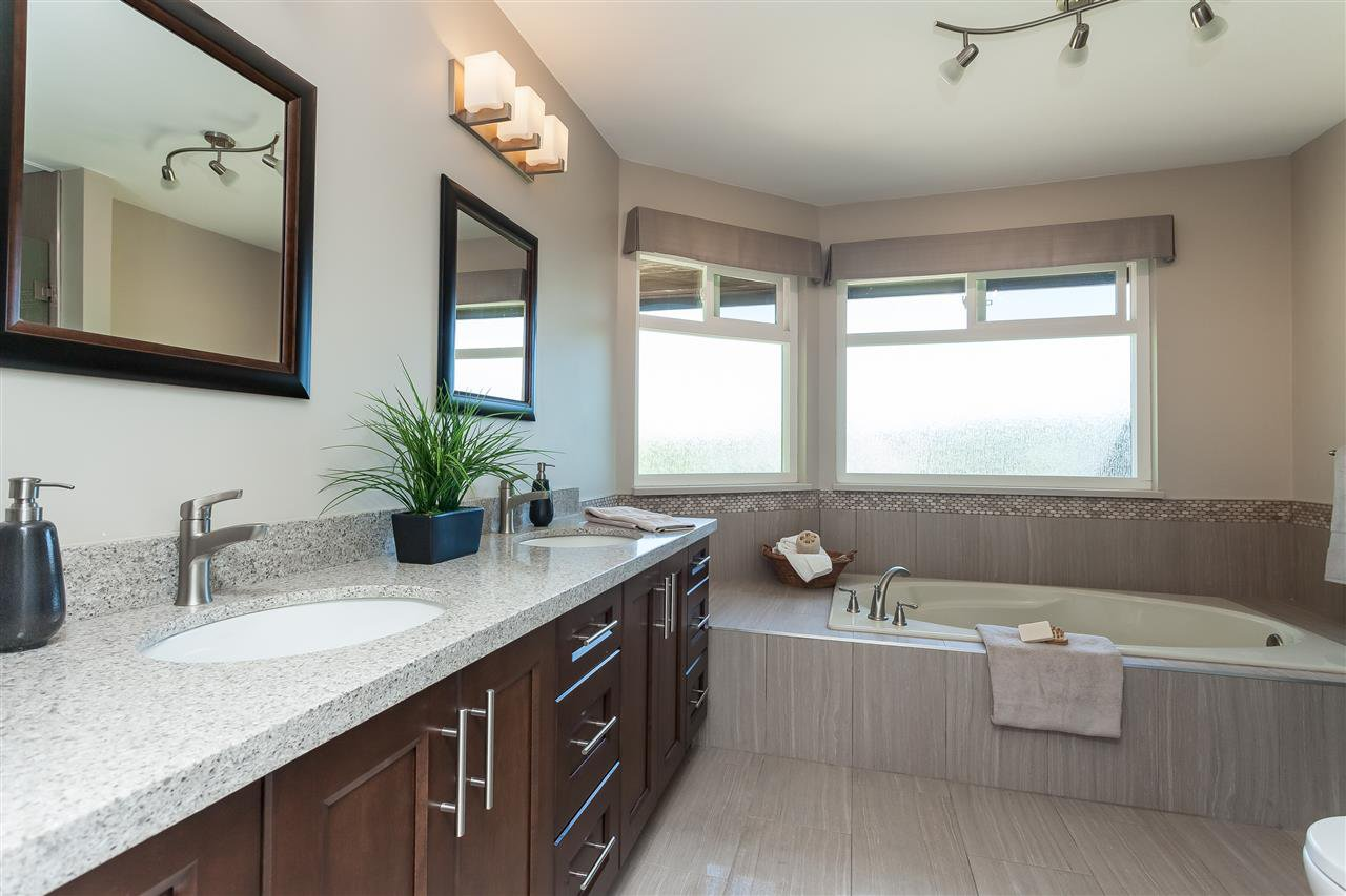 Photo 15: Photos: 6078 154A Street in Surrey: Sullivan Station House for sale : MLS®# R2393804