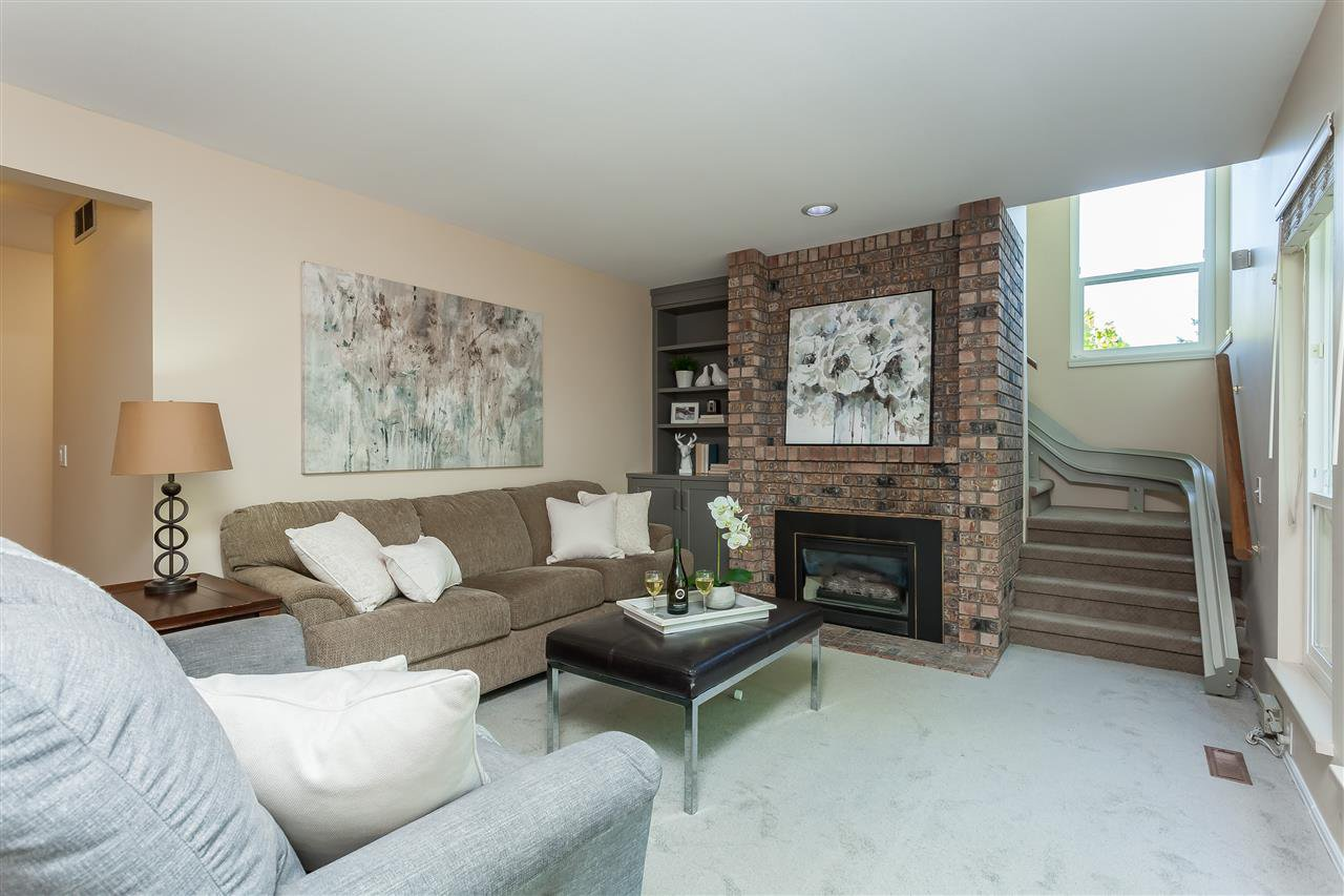Photo 9: Photos: 6078 154A Street in Surrey: Sullivan Station House for sale : MLS®# R2393804