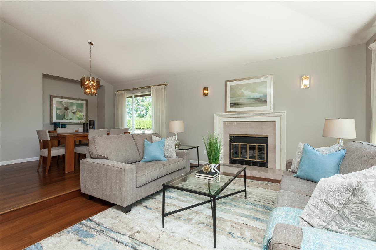 Photo 3: Photos: 6078 154A Street in Surrey: Sullivan Station House for sale : MLS®# R2393804