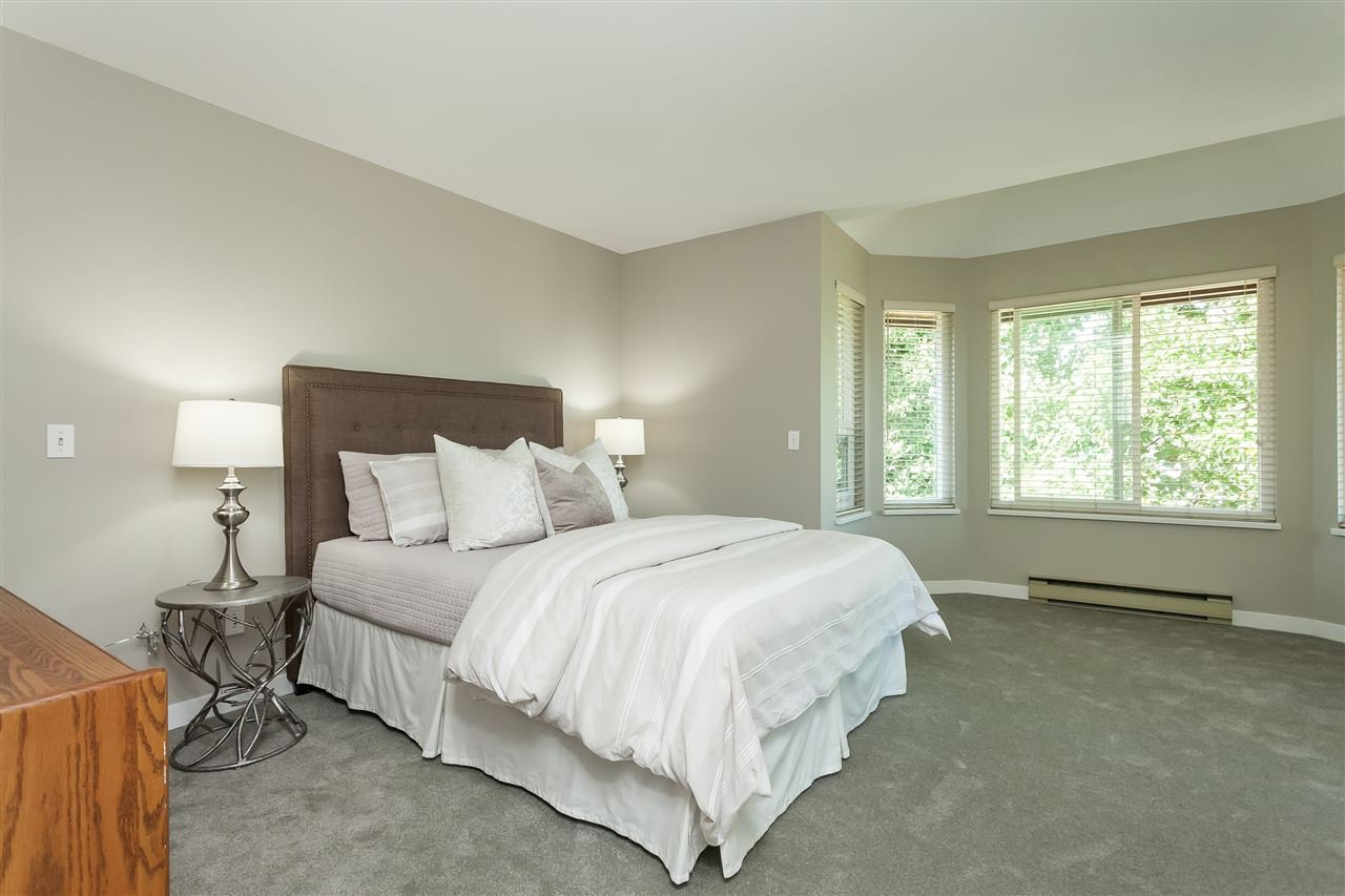 Photo 13: Photos: 6078 154A Street in Surrey: Sullivan Station House for sale : MLS®# R2393804