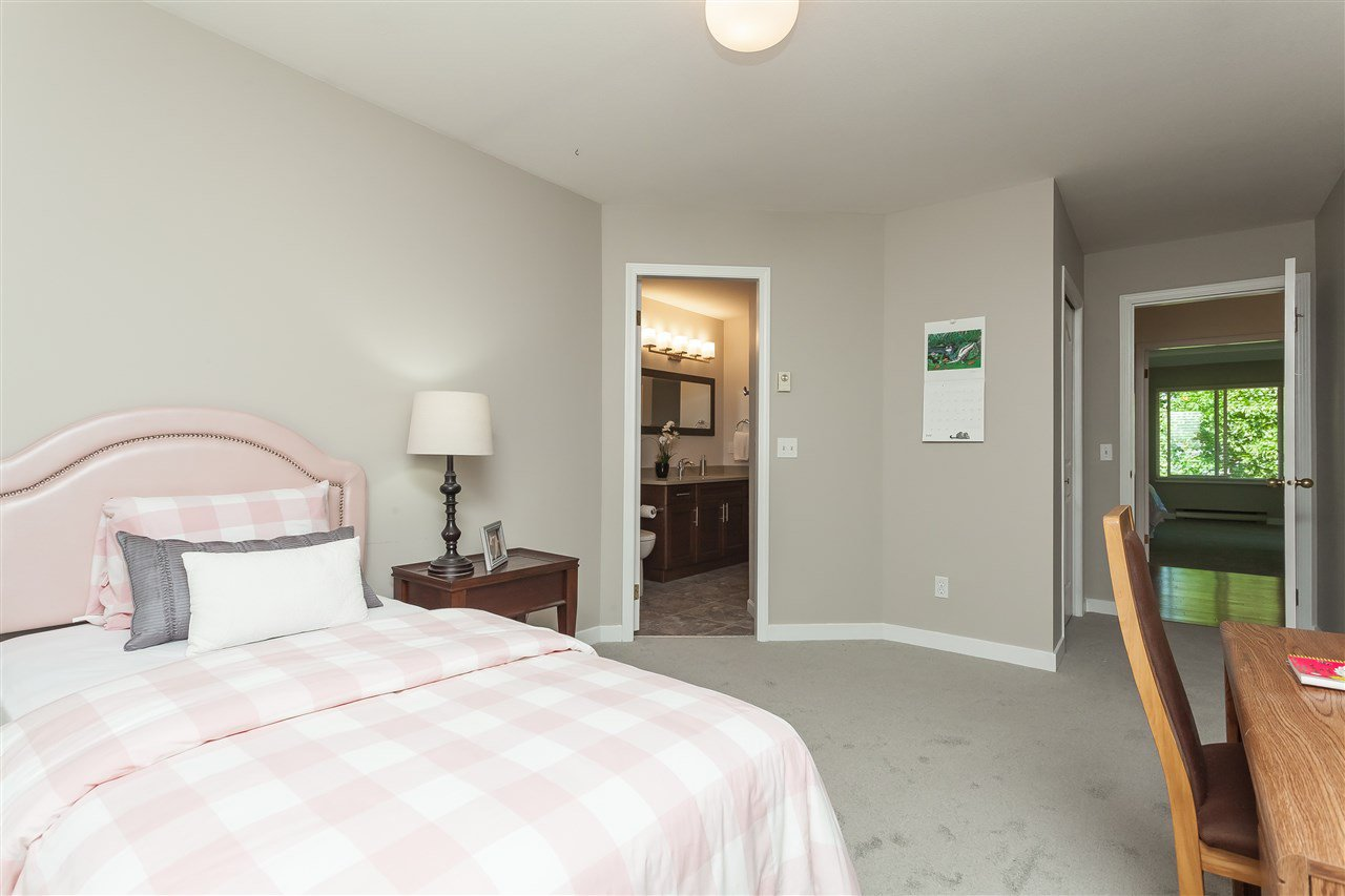 Photo 16: Photos: 6078 154A Street in Surrey: Sullivan Station House for sale : MLS®# R2393804
