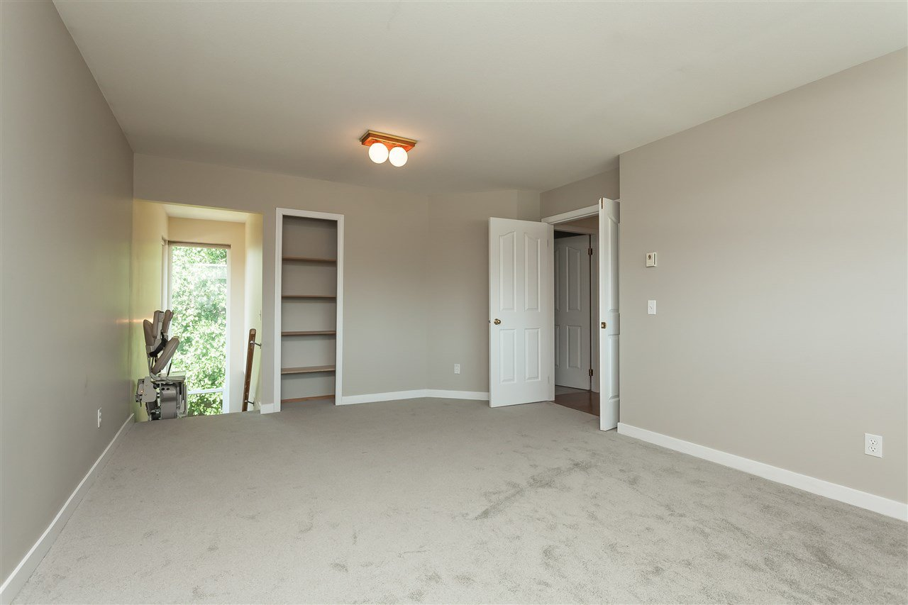 Photo 18: Photos: 6078 154A Street in Surrey: Sullivan Station House for sale : MLS®# R2393804