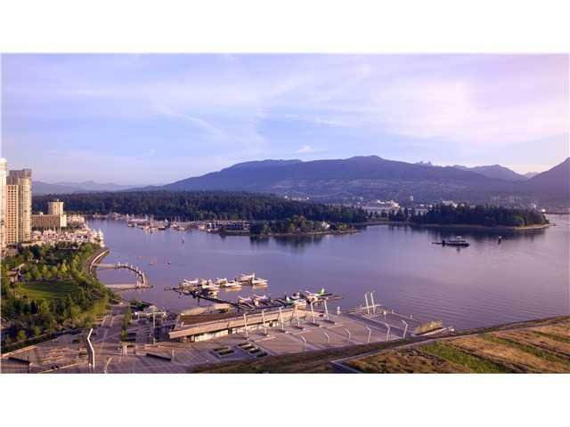 """Main Photo: 2407 - 1011 West Cordova Street in Vancouver: Coal Harbour Condo for sale in """"Fairmont"""" (Vancouver West)  : MLS®# V898688"""