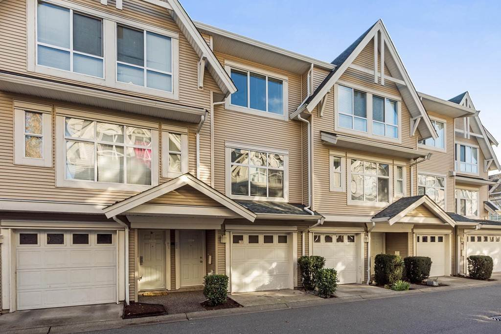 Main Photo: 22 6450 199 STREET in : Willoughby Heights Townhouse for sale : MLS®# R2237844