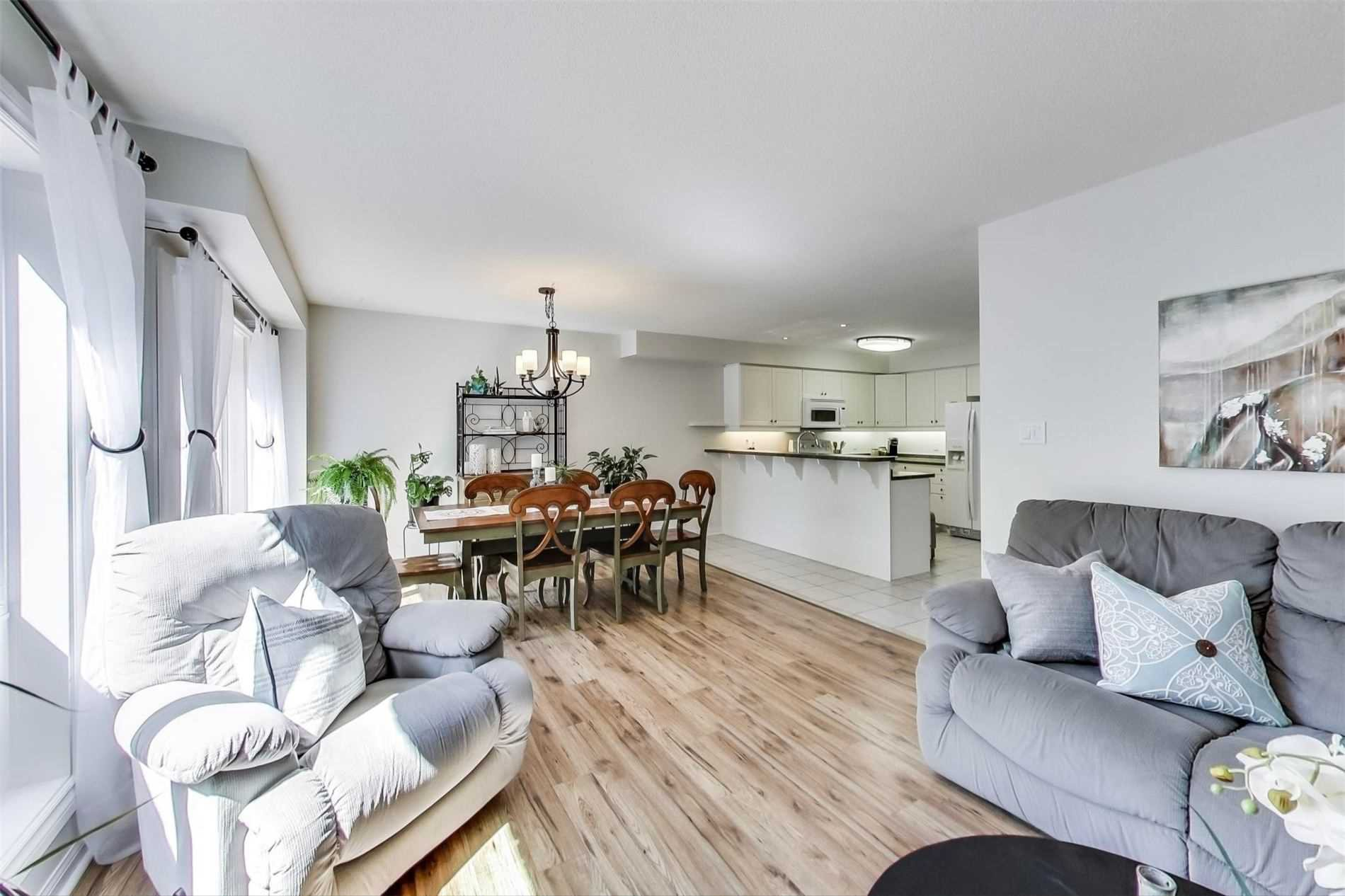 Photo 3: Photos: 61 Torr Lane in Ajax: Central Condo for sale : MLS®# E4874930