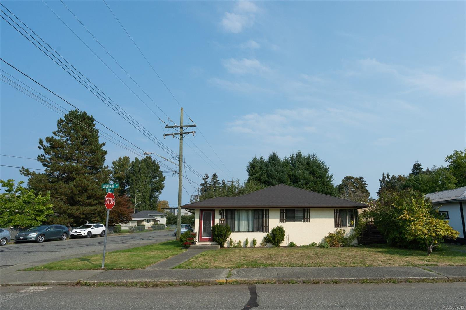 Main Photo: 1008 Urquhart Ave in : CV Courtenay City House for sale (Comox Valley)  : MLS®# 857512