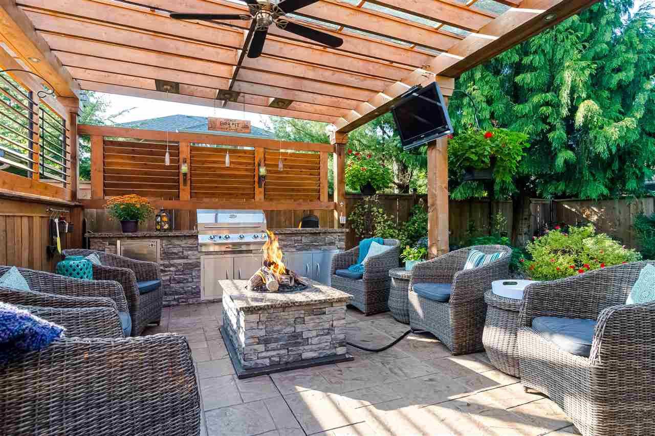 "Main Photo: 9360 207A Street in Langley: Walnut Grove House for sale in ""Walnut  Grove"" : MLS®# R2508280"