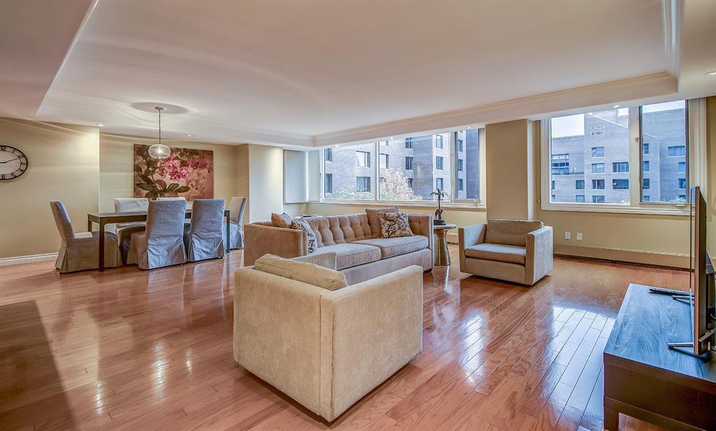 Main Photo: 402B 500 EAU CLAIRE Avenue SW in Calgary: Eau Claire Apartment for sale : MLS®# A1045268