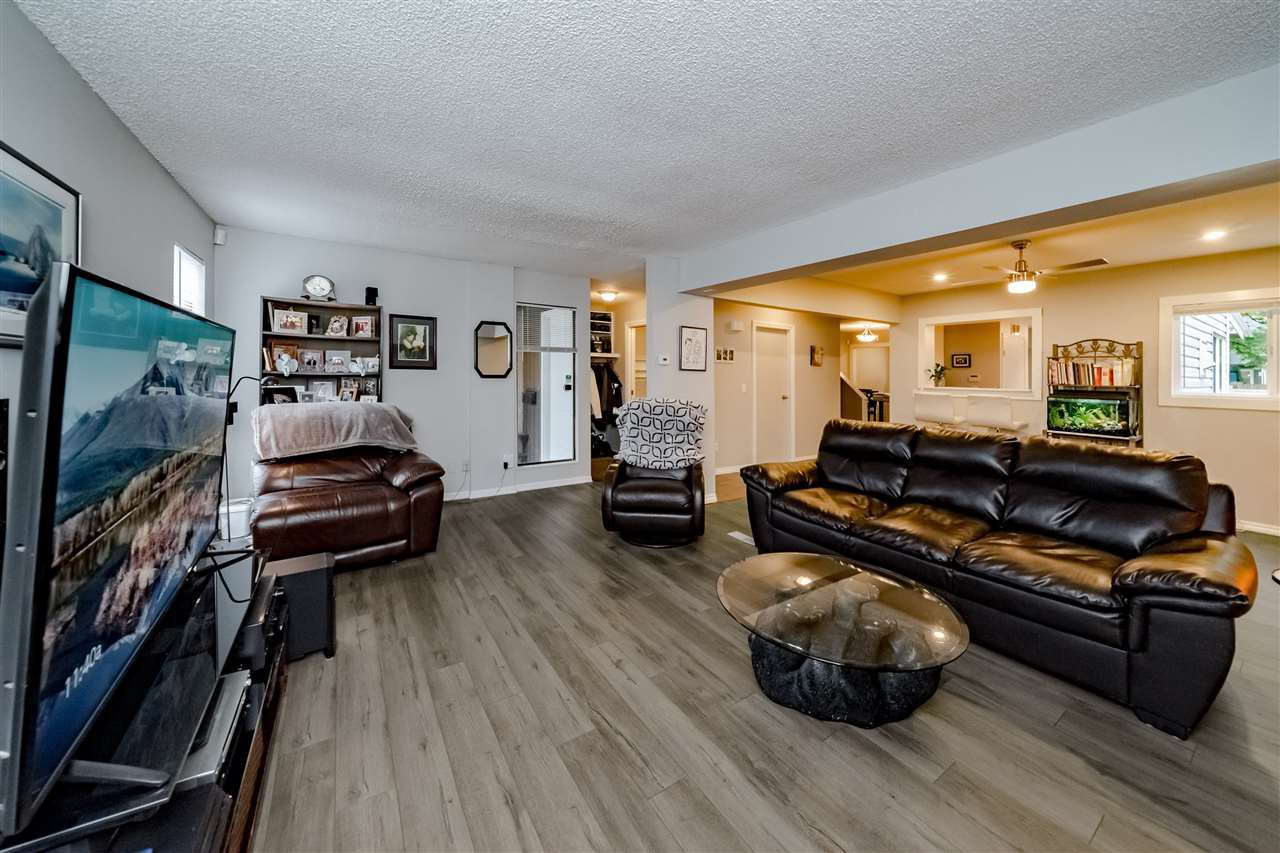 """Main Photo: 978 BIRCHBROOK Place in Coquitlam: Meadow Brook House 1/2 Duplex for sale in """"MEADOWBROOK"""" : MLS®# R2402424"""