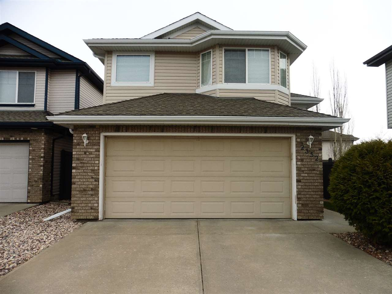 Main Photo: 2352 TAYLOR Close NW in Edmonton: Zone 14 House for sale : MLS®# E4178816