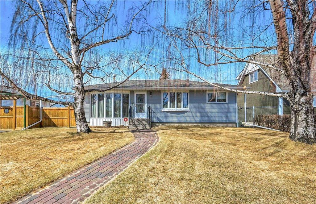 Main Photo: 412 ATHLONE Road SE in Calgary: Acadia Detached for sale : MLS®# C4293338