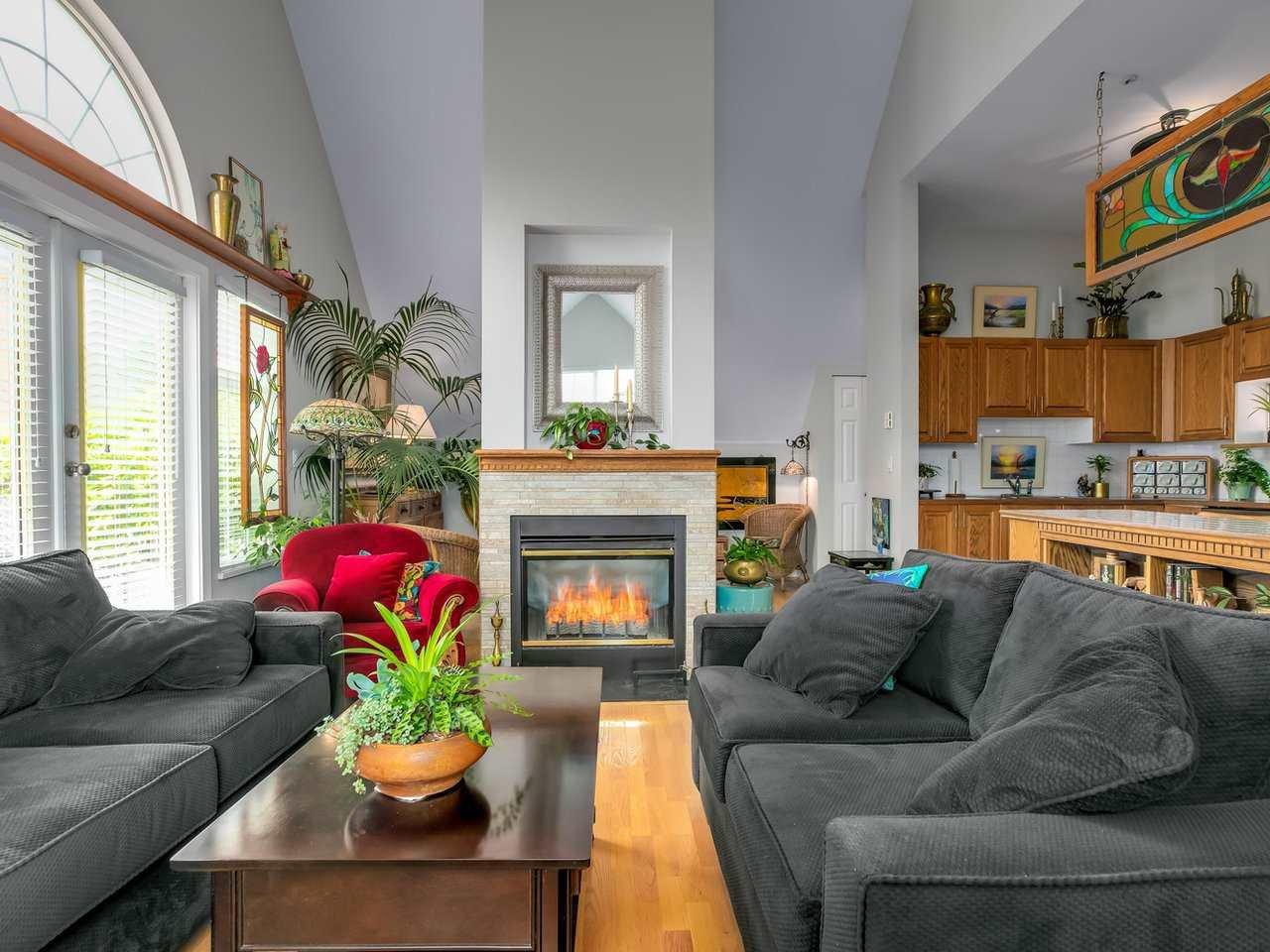 "Main Photo: 410 5556 14 Avenue in Delta: Cliff Drive Condo for sale in ""WINDSOR WOODS"" (Tsawwassen)  : MLS®# R2458802"