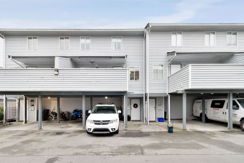 Main Photo: 11 3384 COAST MERIDIAN ROAD in Port Coquitlam: Lincoln Park PQ Townhouse for sale : MLS®# R2442625