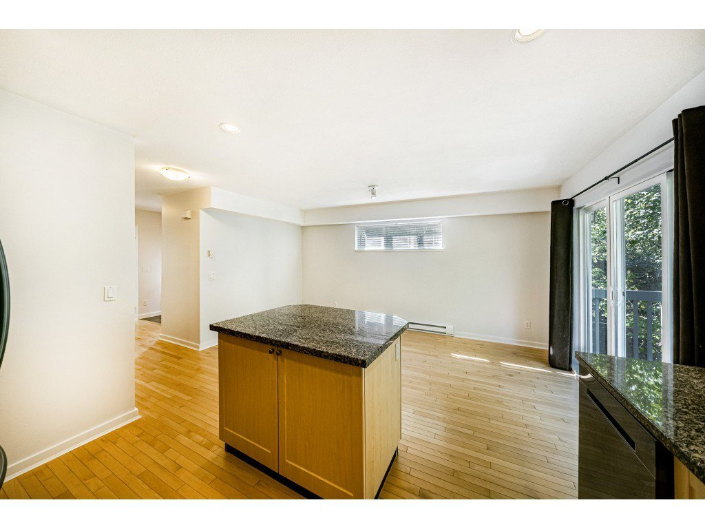 """Photo 10: Photos: 161 15168 36 Avenue in Surrey: Morgan Creek Townhouse for sale in """"SOLAY"""" (South Surrey White Rock)  : MLS®# R2495727"""