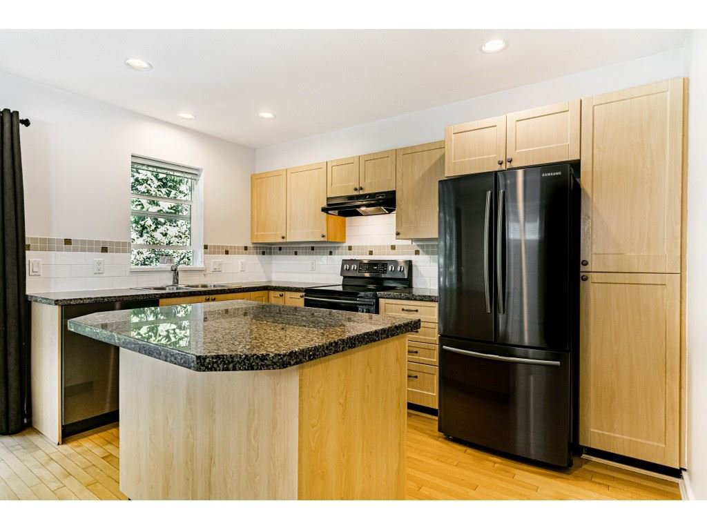 """Photo 11: Photos: 161 15168 36 Avenue in Surrey: Morgan Creek Townhouse for sale in """"SOLAY"""" (South Surrey White Rock)  : MLS®# R2495727"""
