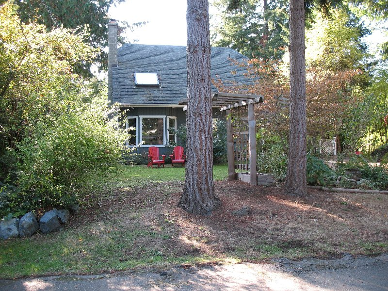 Main Photo: 1341 CARMEL PLACE in NANOOSE BAY: Beachcomber House/Single Family for sale (Nanoose Bay)  : MLS®# 284760