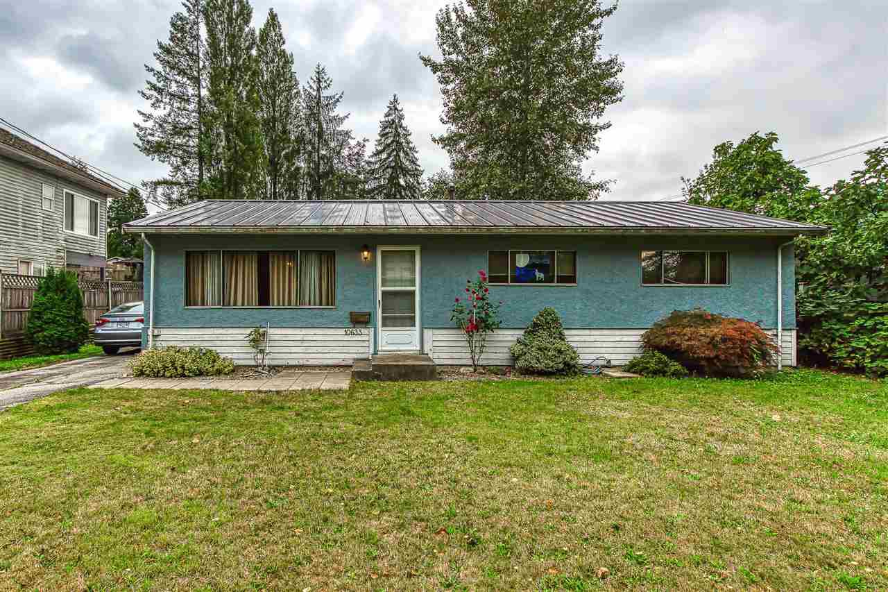 """Main Photo: 10633 148 Street in Surrey: Guildford House for sale in """"guildford town centre"""" (North Surrey)  : MLS®# R2405917"""