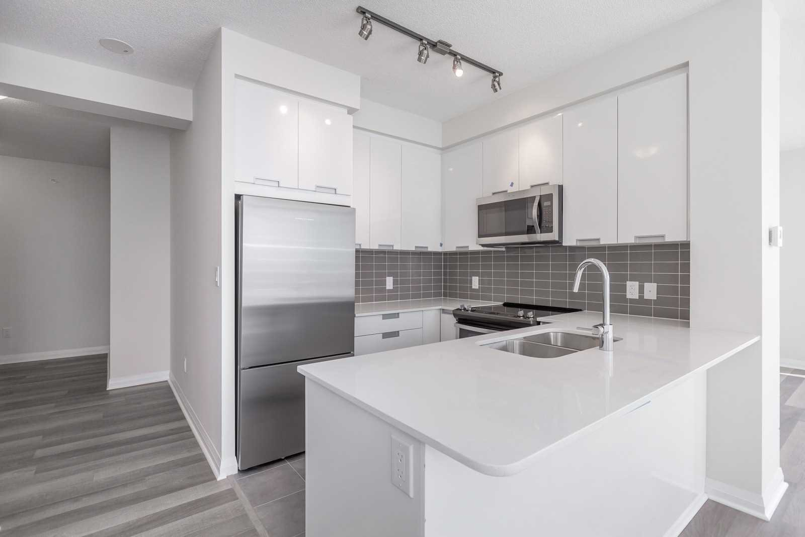 Photo 5: Photos: 1204 5025 Four Springs Avenue in Mississauga: Hurontario Condo for lease : MLS®# W4582092