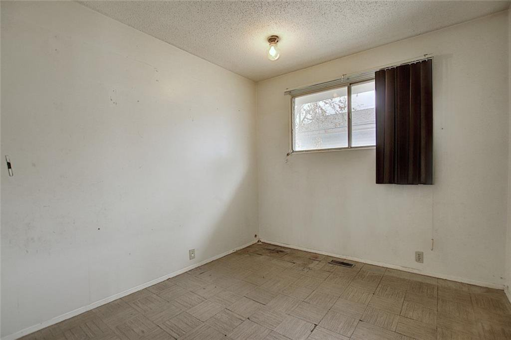 Photo 10: Photos: 8051 HUNTINGTON Street NE in Calgary: Huntington Hills Detached for sale : MLS®# C4294626