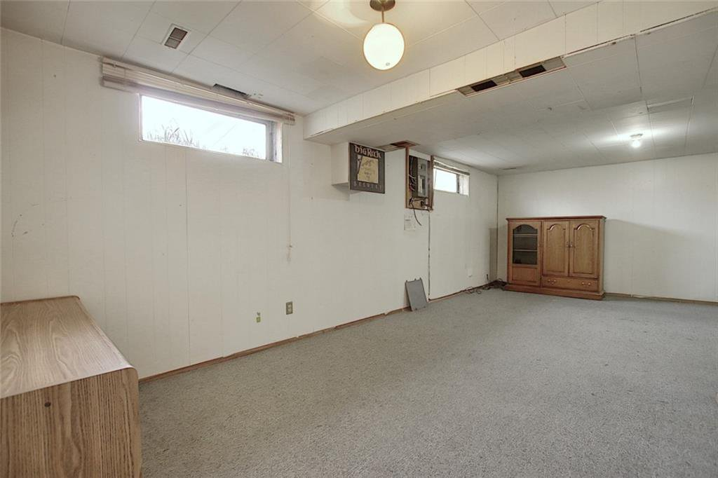 Photo 12: Photos: 8051 HUNTINGTON Street NE in Calgary: Huntington Hills Detached for sale : MLS®# C4294626