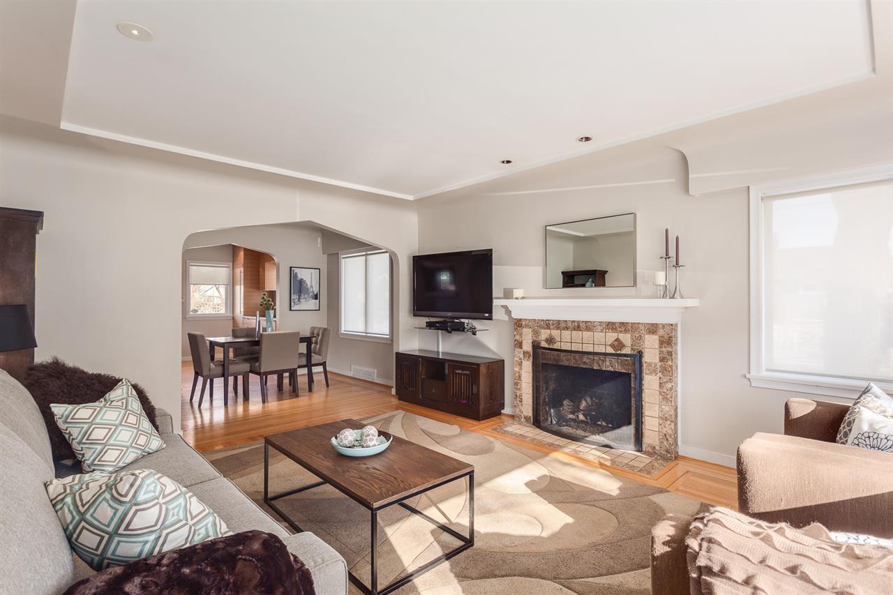 "Main Photo: 3205 W 11TH Avenue in Vancouver: Kitsilano House for sale in ""KITSILANO"" (Vancouver West)  : MLS®# R2472198"