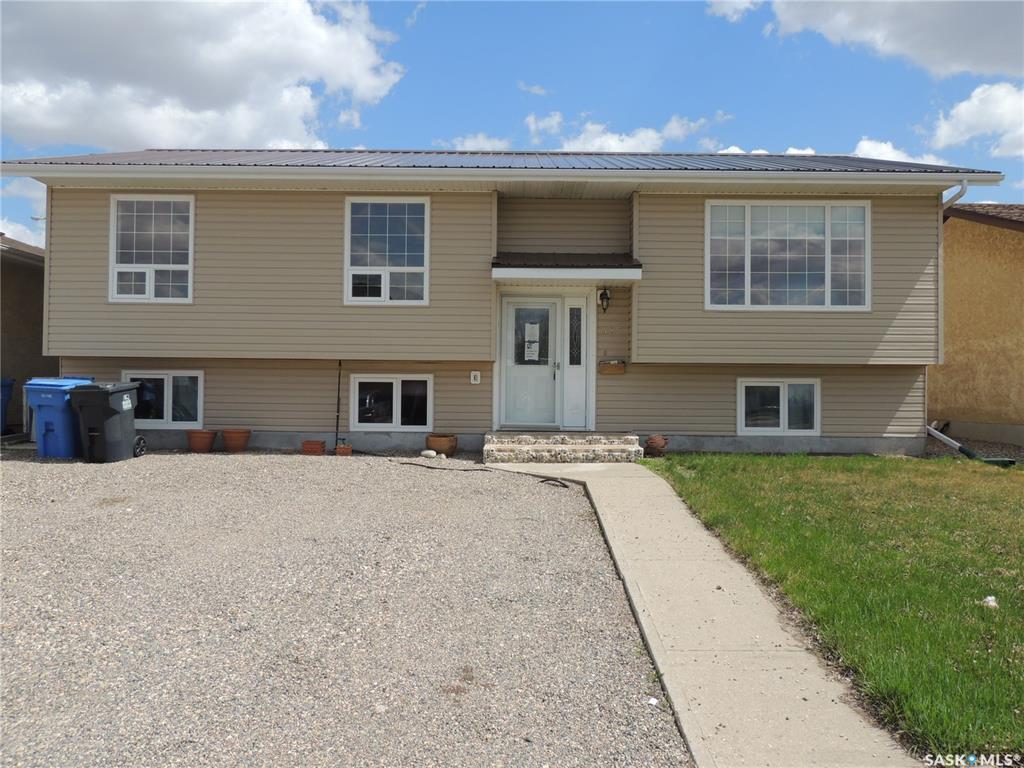 Main Photo: 485 Petterson Drive in Estevan: Residential for sale : MLS®# SK821691