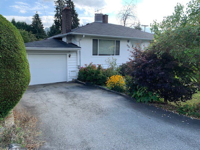 "Main Photo: 624 HARRISON Avenue in Coquitlam: Coquitlam West House for sale in ""Oakdale/Burquitlam"" : MLS®# R2492727"