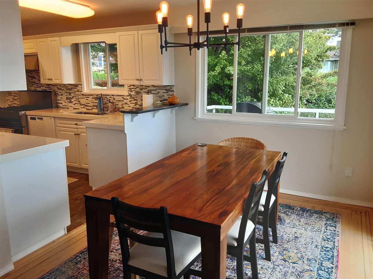 Photo 9: Photos: 15291 COLUMBIA Avenue: White Rock House for sale (South Surrey White Rock)  : MLS®# R2492863