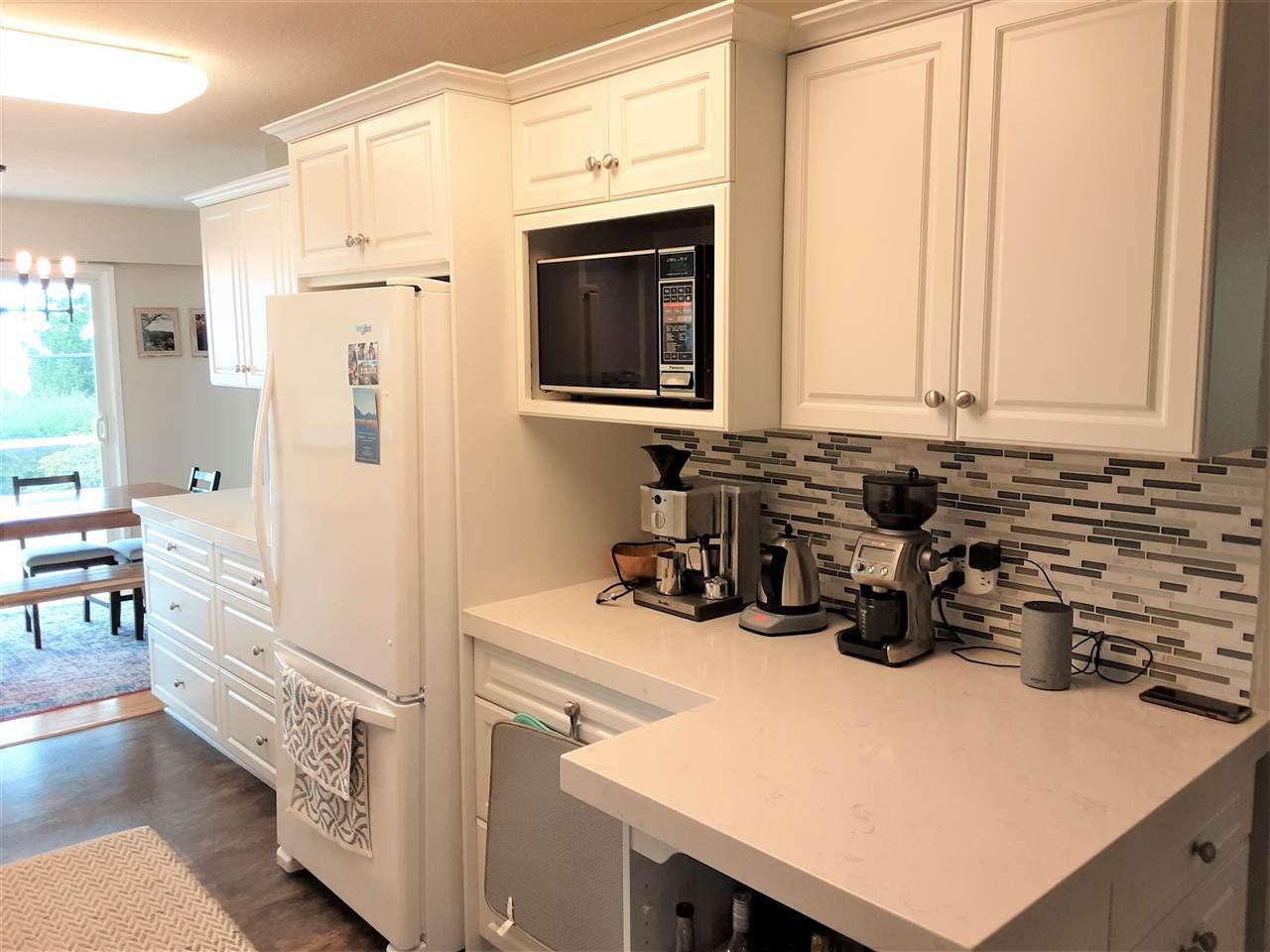 Photo 4: Photos: 15291 COLUMBIA Avenue: White Rock House for sale (South Surrey White Rock)  : MLS®# R2492863