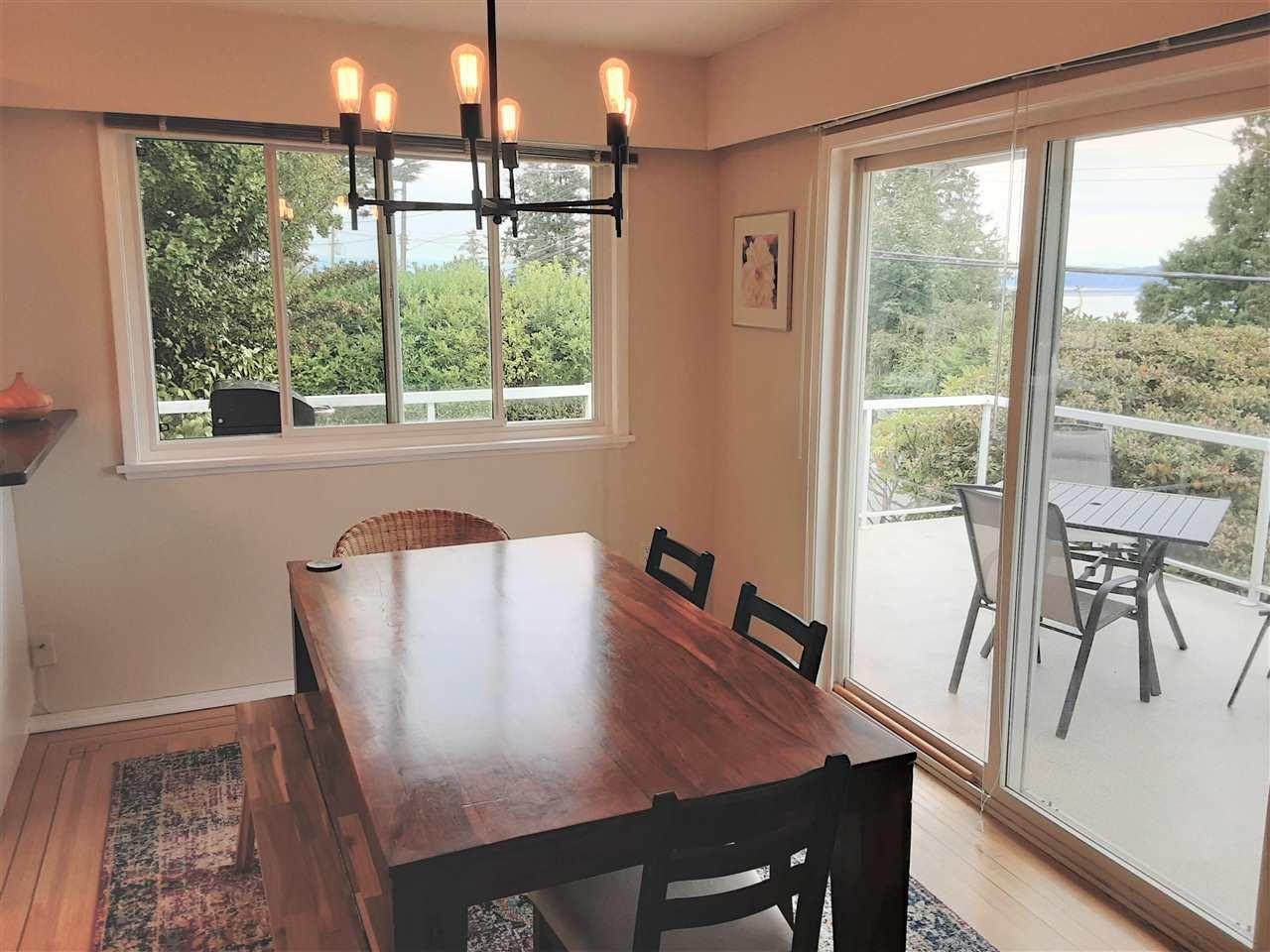 Photo 8: Photos: 15291 COLUMBIA Avenue: White Rock House for sale (South Surrey White Rock)  : MLS®# R2492863