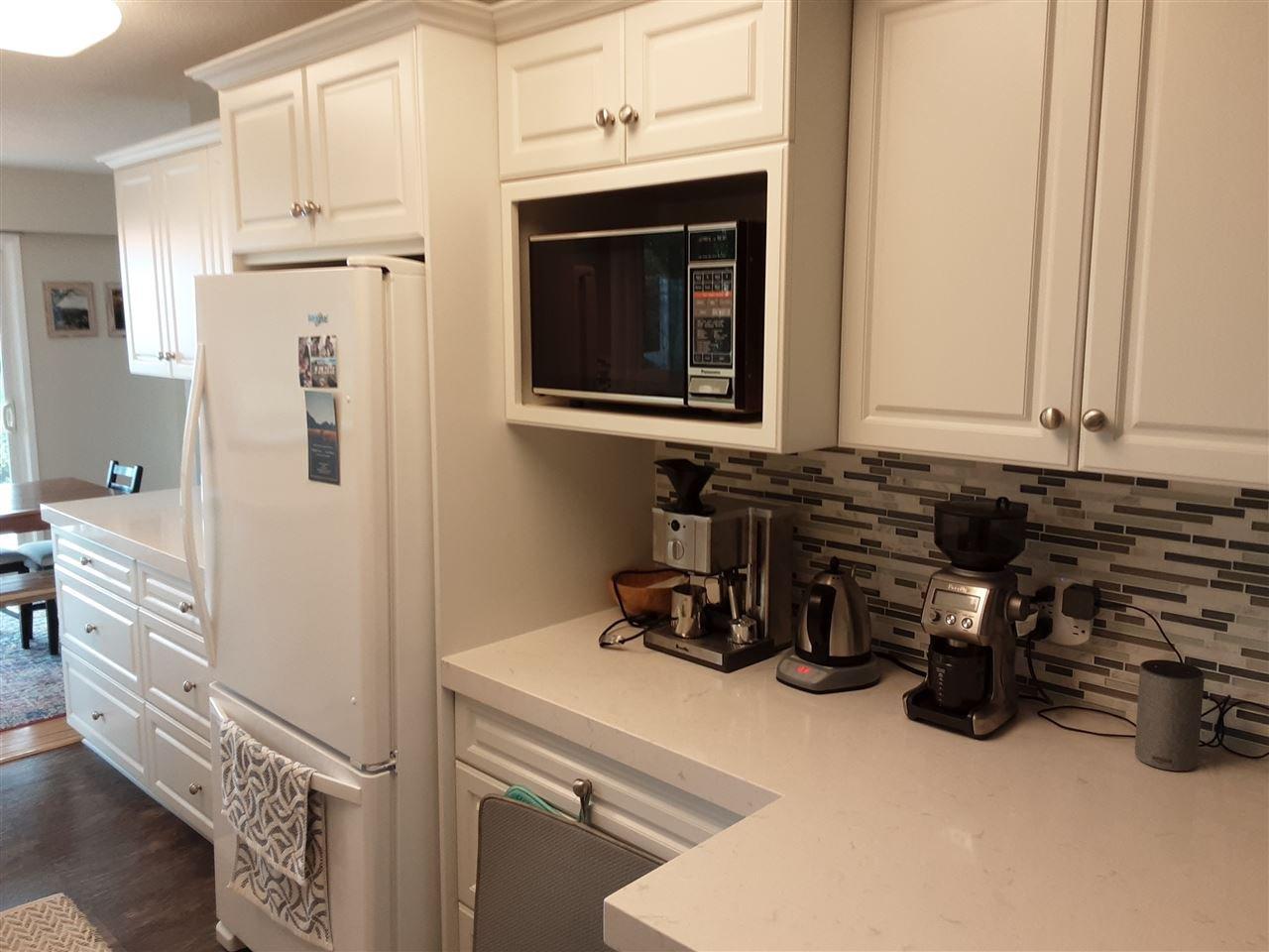 Photo 5: Photos: 15291 COLUMBIA Avenue: White Rock House for sale (South Surrey White Rock)  : MLS®# R2492863