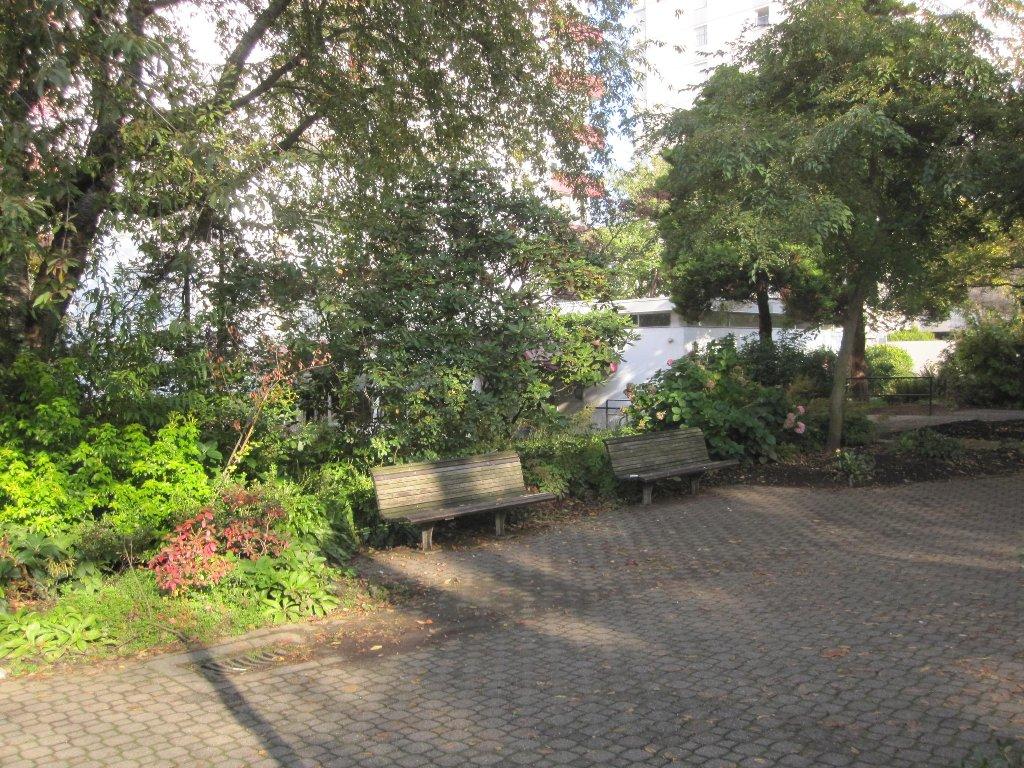 Photo 3: Photos: Vancouver condominium