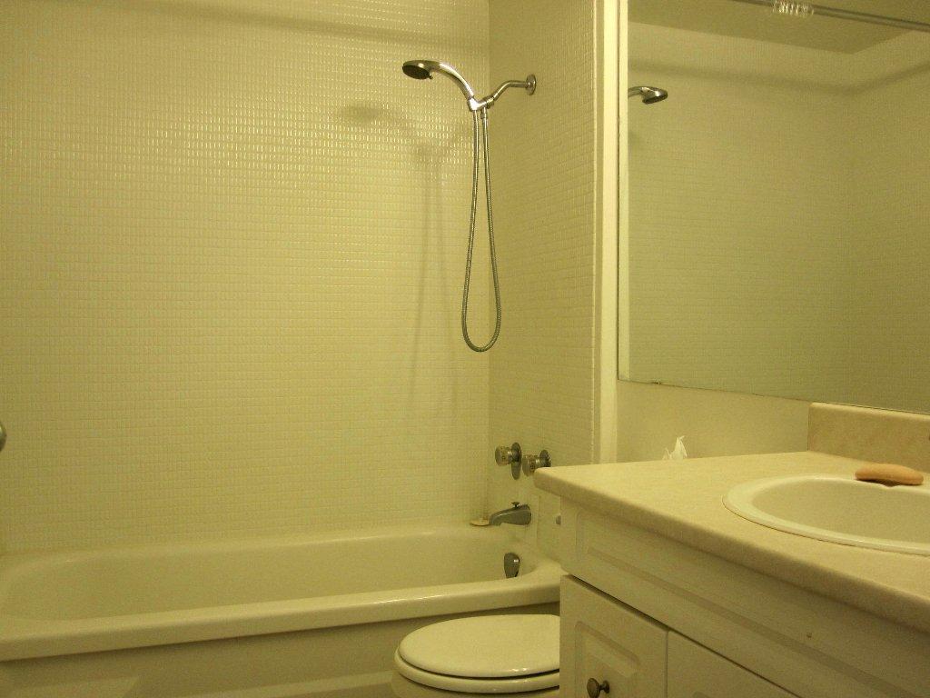 Photo 9: Photos: Vancouver condominium